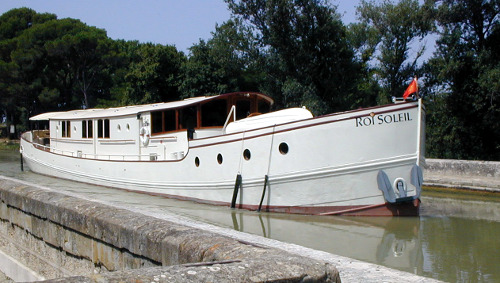 Riveryacht luxury barging on the Roi Soliel