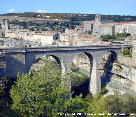 Minerve and the bridge access over the river Cesse